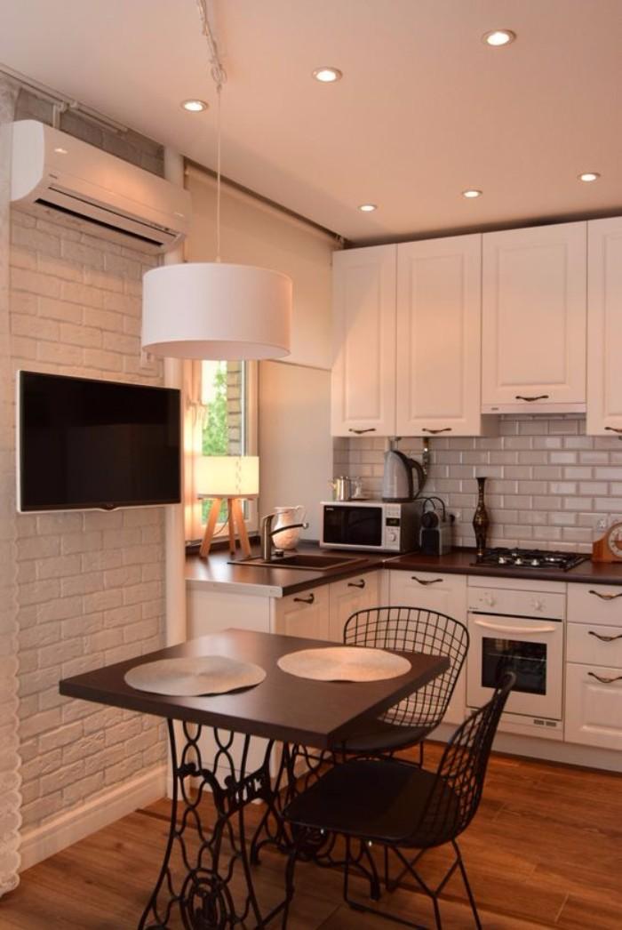 Белая кирпичная стена на кухне, фото 30