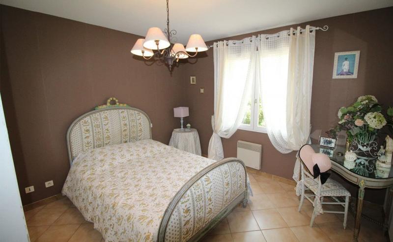 Пол в спальне в стиле прованс 2