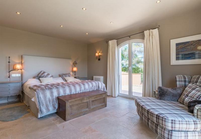 Материалы для спальни в стиле прованс 3