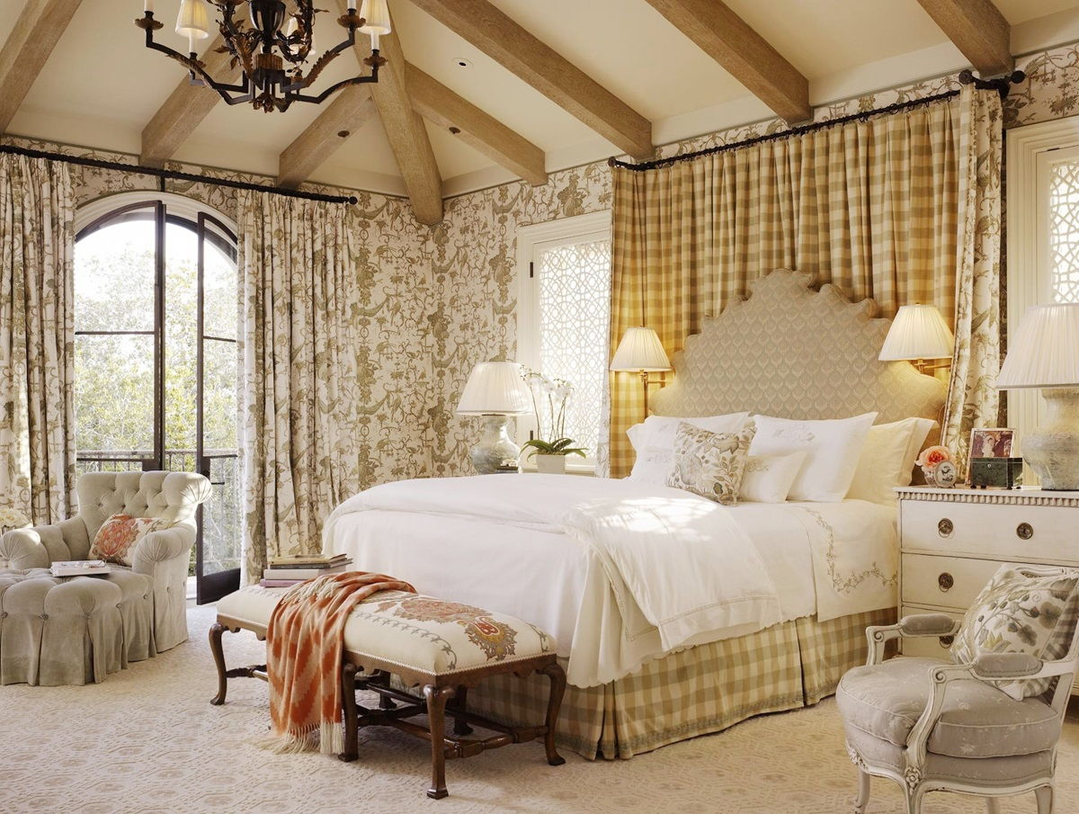 Спальня в стиле прованс в бежево-желтом цвете