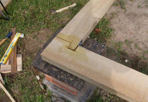 Кладка стен из бруса: первый венец