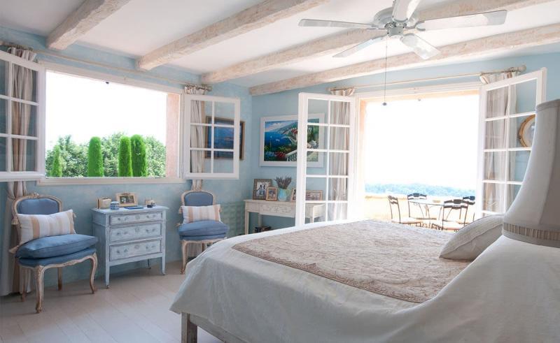 Спальня в стиле прованс в частном доме 7