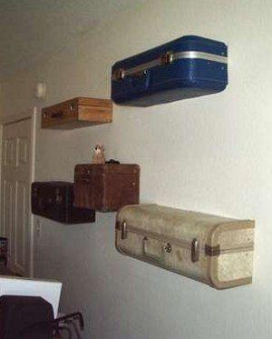 Полки из старых чемоданов