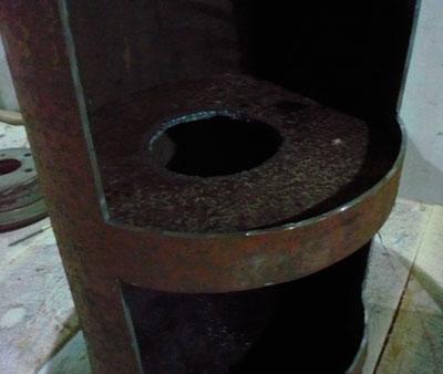 Промежуточный диск между верхней и нижней частями печи