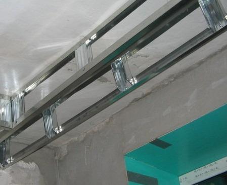 создание узкой ниши из гипсокартона для штор