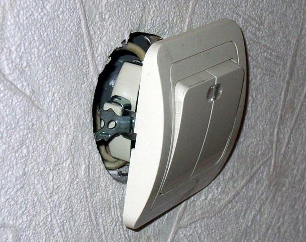 Вопросы безопасности при монтаже выключателей