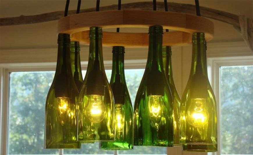 Люстра из бутылок вина