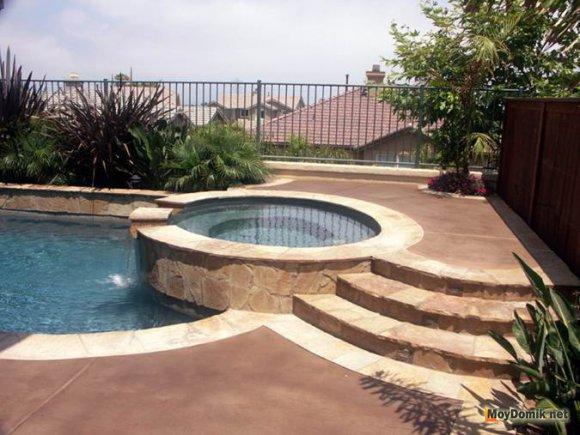 Двойной бассейн из бетона - для детей и взрослых