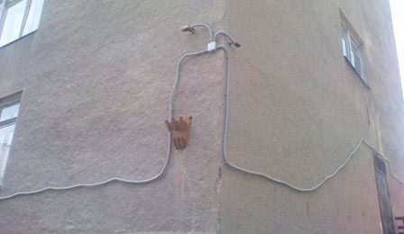Неправильная прокладка кабеля