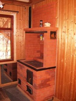 Согреет тело и душу: печь-шведка с духовкой и плитой как воплощение уюта