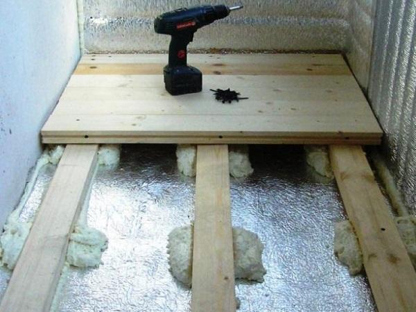 Делаем деревянный пол на балконе пошагово