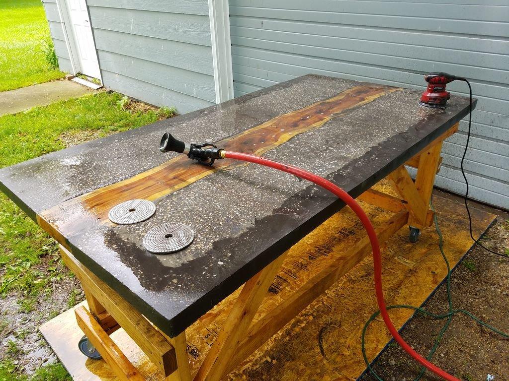 Полировка столешницы из бетона