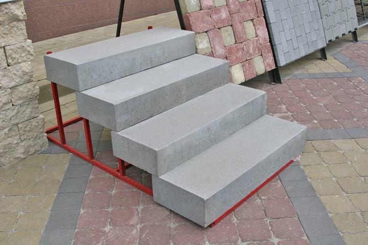 Готовые бетонные ступени для сборного крыльца