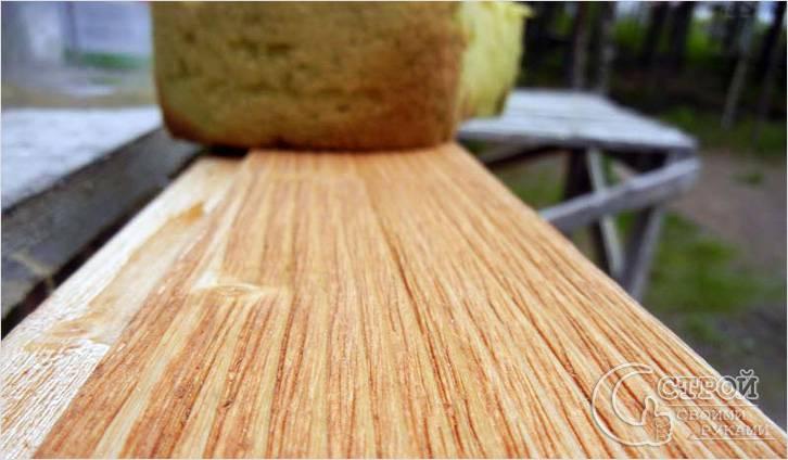 Как правильно покрыть лаком дерево