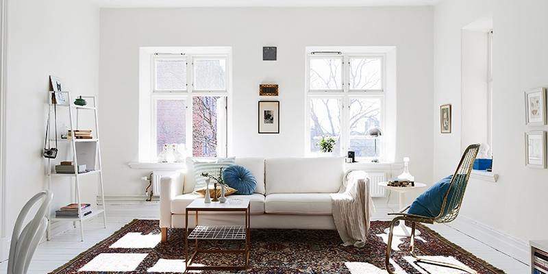 Окна без штор впустят в комнату больше солнечного света