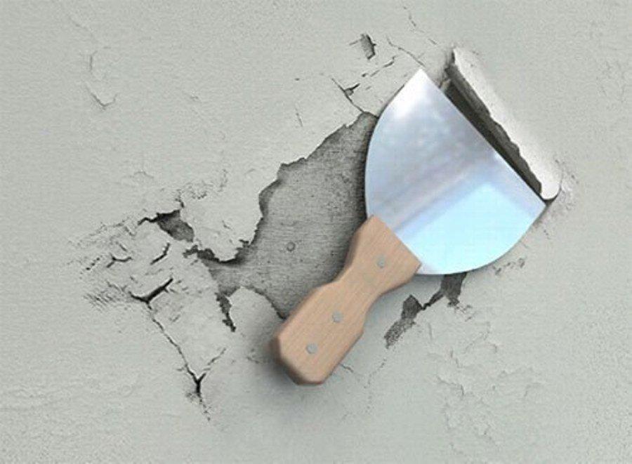 Удаление слоя старой штукатурки со стен