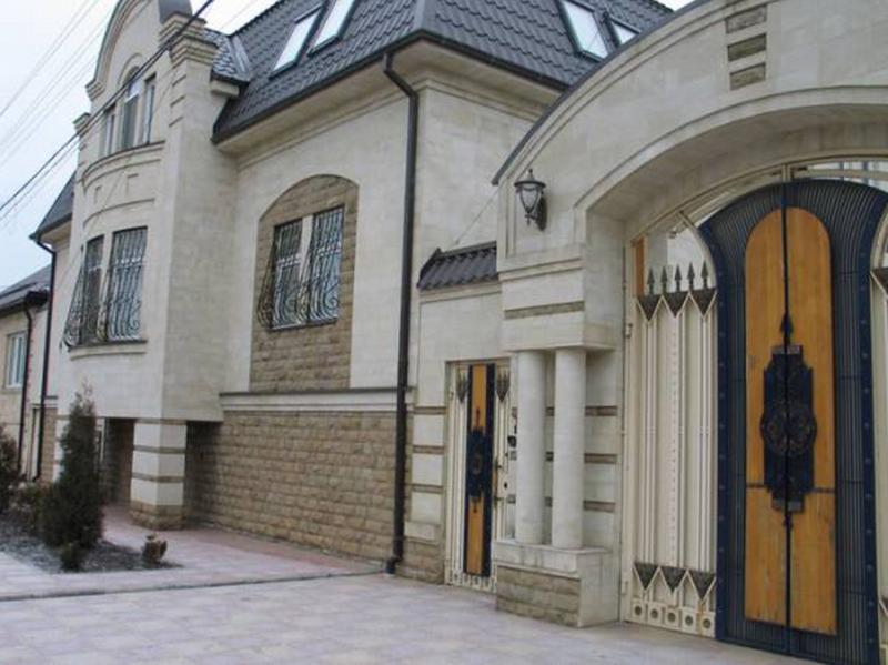 oblitsovka-fasadov-naturalnyim-kamnem3