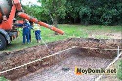 Заливка бетоном дна бассейна