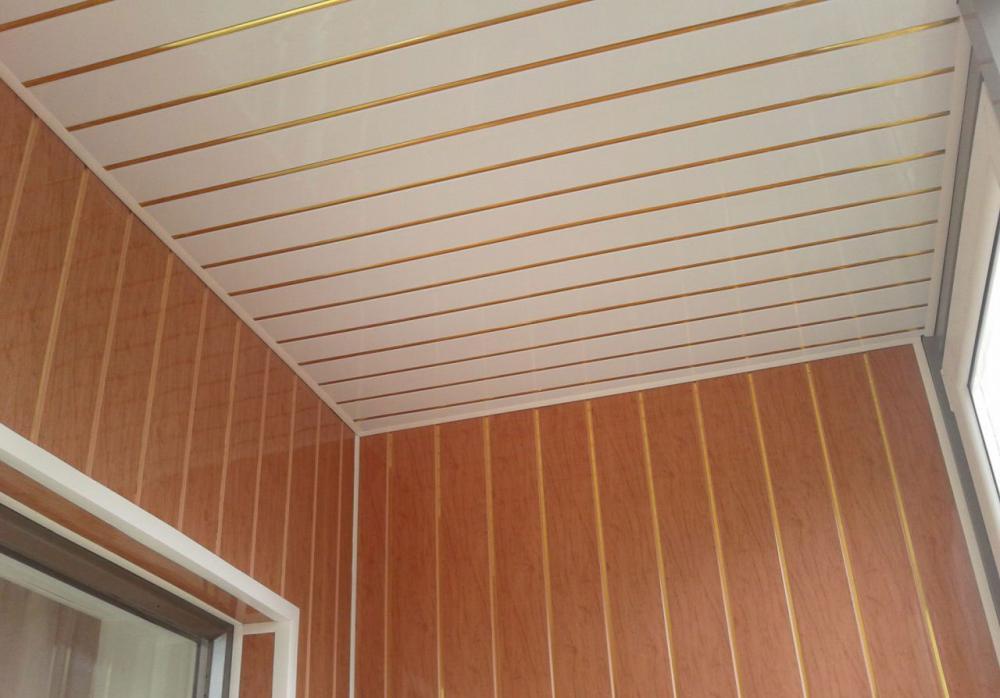 ПВХ панели для балкона: порядок монтажа на стены и потолок, установка светильников