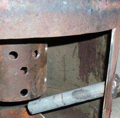 Приваренная труба элемент печи на отработке
