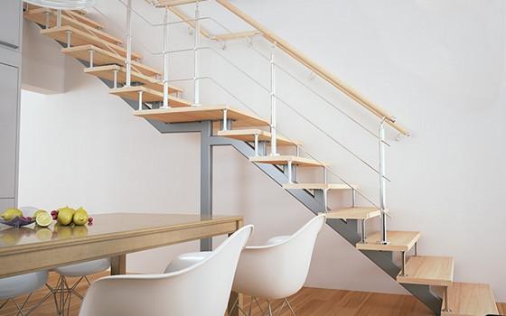 Лестница на металлическом каркасе вообще не скрипит, а также прекрасно вписывается фактически в любой интерьер. Она выгодно дополнит собой как более классический, так и хай-тек дизайн
