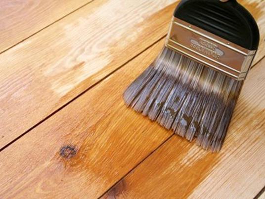 Как обработать древесину кисточкой