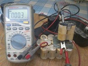 Как проверить параметры тока и напряжения аккумулятора?