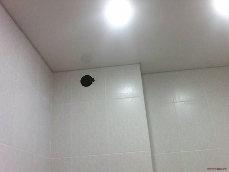 Как самому сделать потолок из пластиковых панелей: статья-инструкция - 40 фото