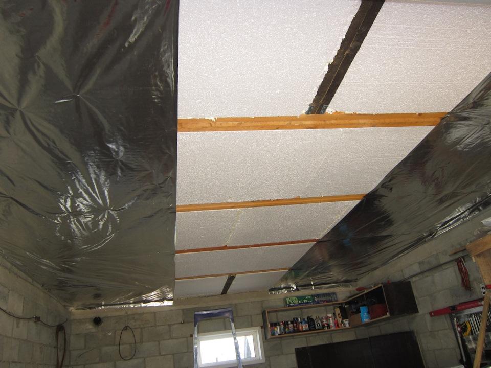 Защита потолка от холода – некоторые тонкости процедуры