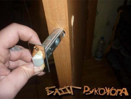 как врезать замок в межкомнатную дверь