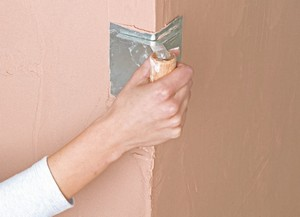 как выровнять угол стены?