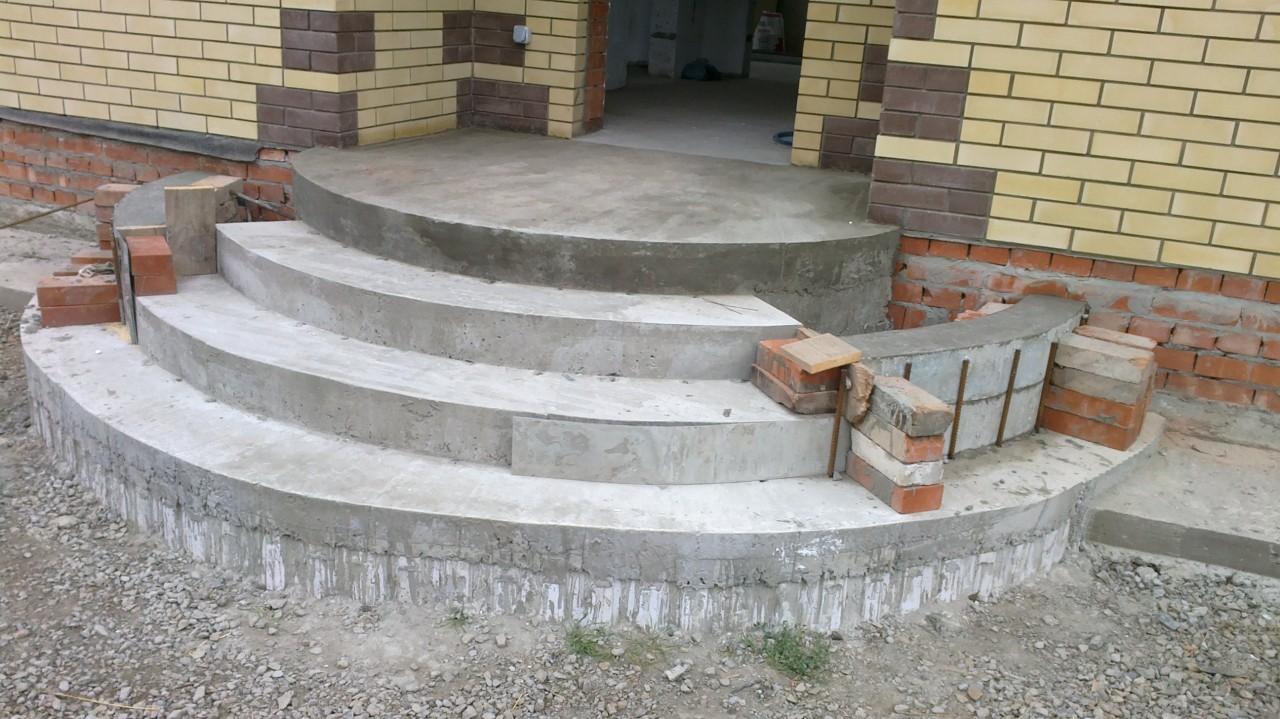 Крыльцо из бетона – подготовительные работы и выполнение расчетов