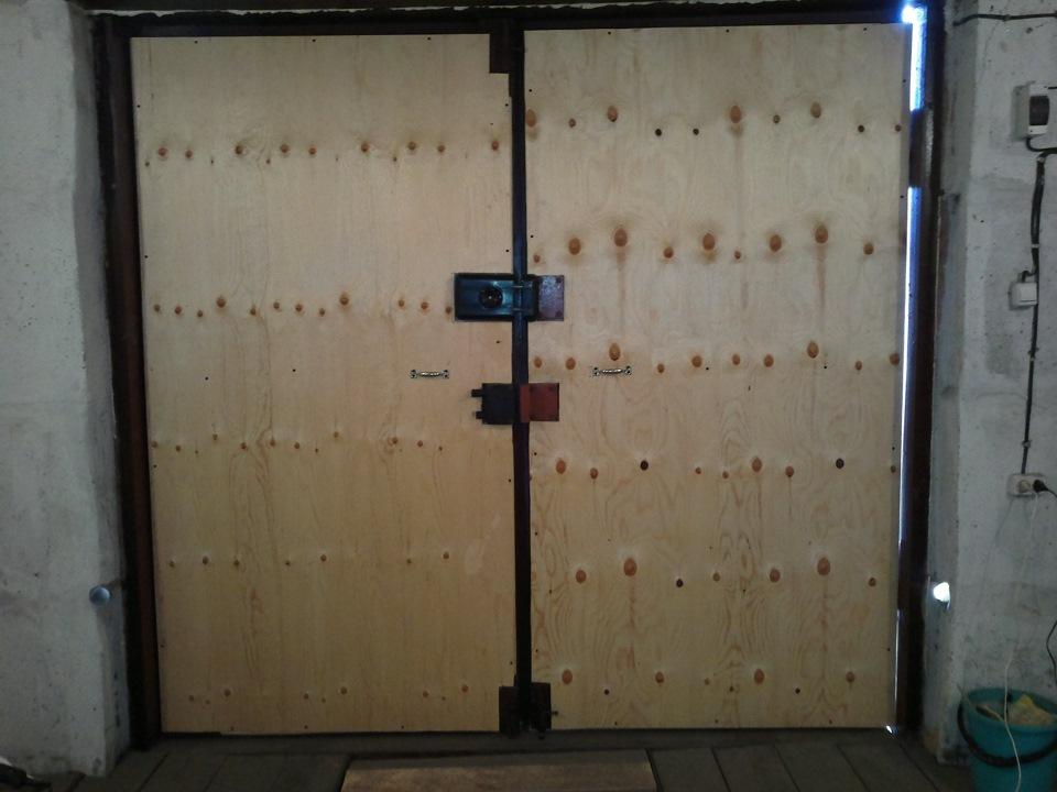 Правила утепления гаражных ворот