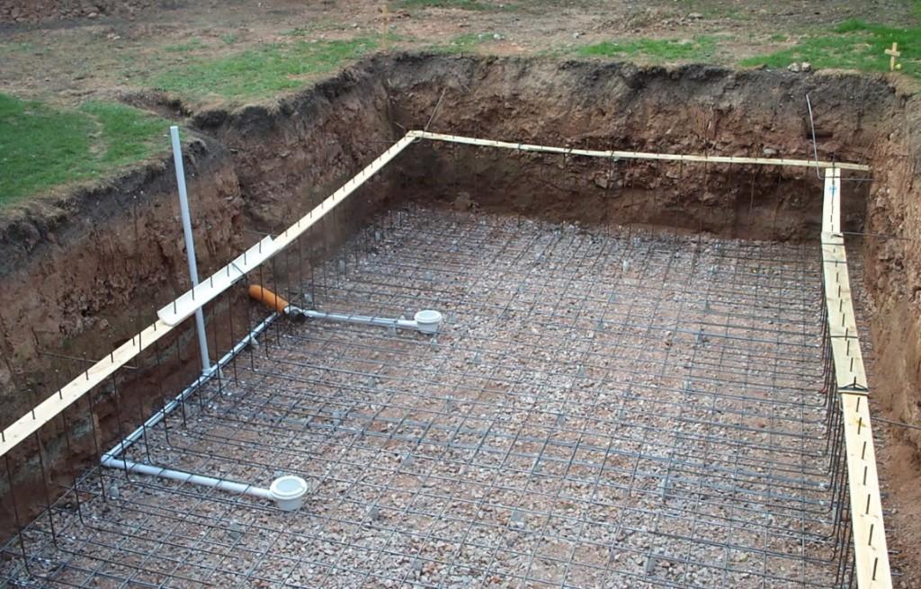 Решётка из металлического прута для основания бассейна