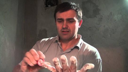 Что делать, если монтажная пена на руках засохла?