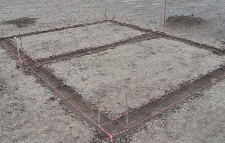 Разметка територии под ленточный фундамент под каркасный дом