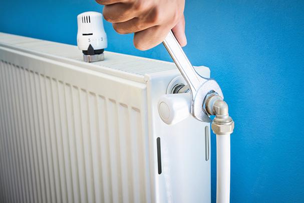 Как и чем заделать течь в батарее отопления, чтобы не тратиться на новый радиатор