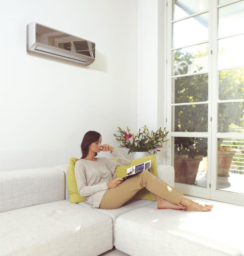 Кондиционер должен быть установлен так, чтобы выдаваемый во время его работы холодный воздух не дул напрямую на человека