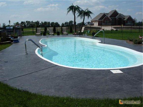 Бассейн из бетона - оригинальный вариант