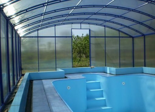 Устройство бассейна из поликарбоната