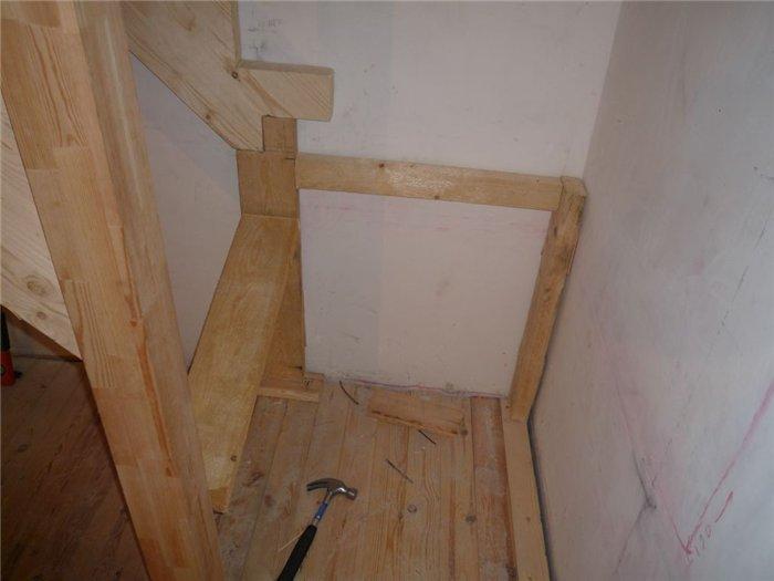 Опора для лестницы фото