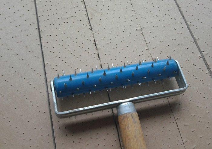Обработка листа игольчатым валиком