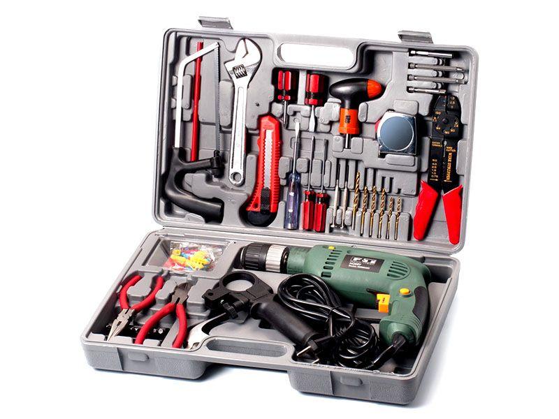 С таким набором инструментов можно и люстру установить и натяжной потолок. Да практически все можно сделать!