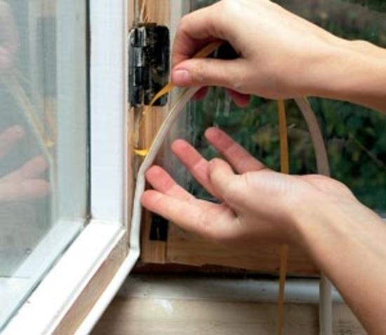 Резиновый уплотнитель обеспечивает надежную теплоизоляцию и позволяет выполнить частичную реставрацию окон