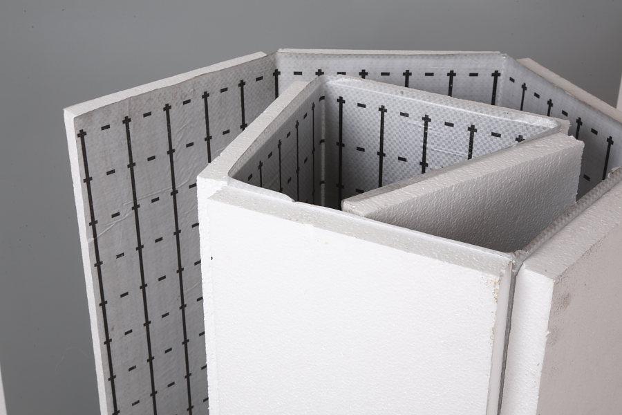 Пенополистирол – плотный и теплоустойчивый материал