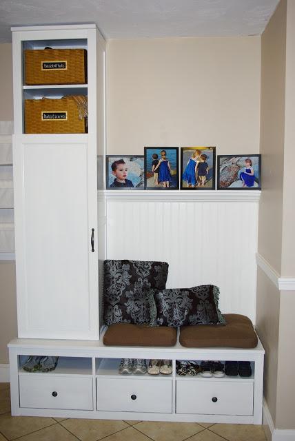 Маленький шкаф в прихожей