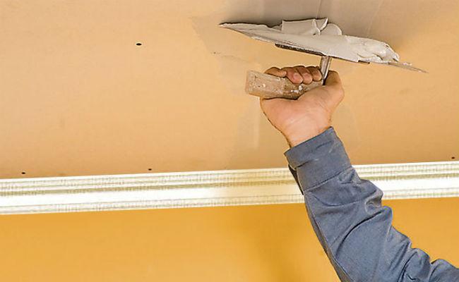 Приводим потолок в идеальное состояние при помощи шпаклевки