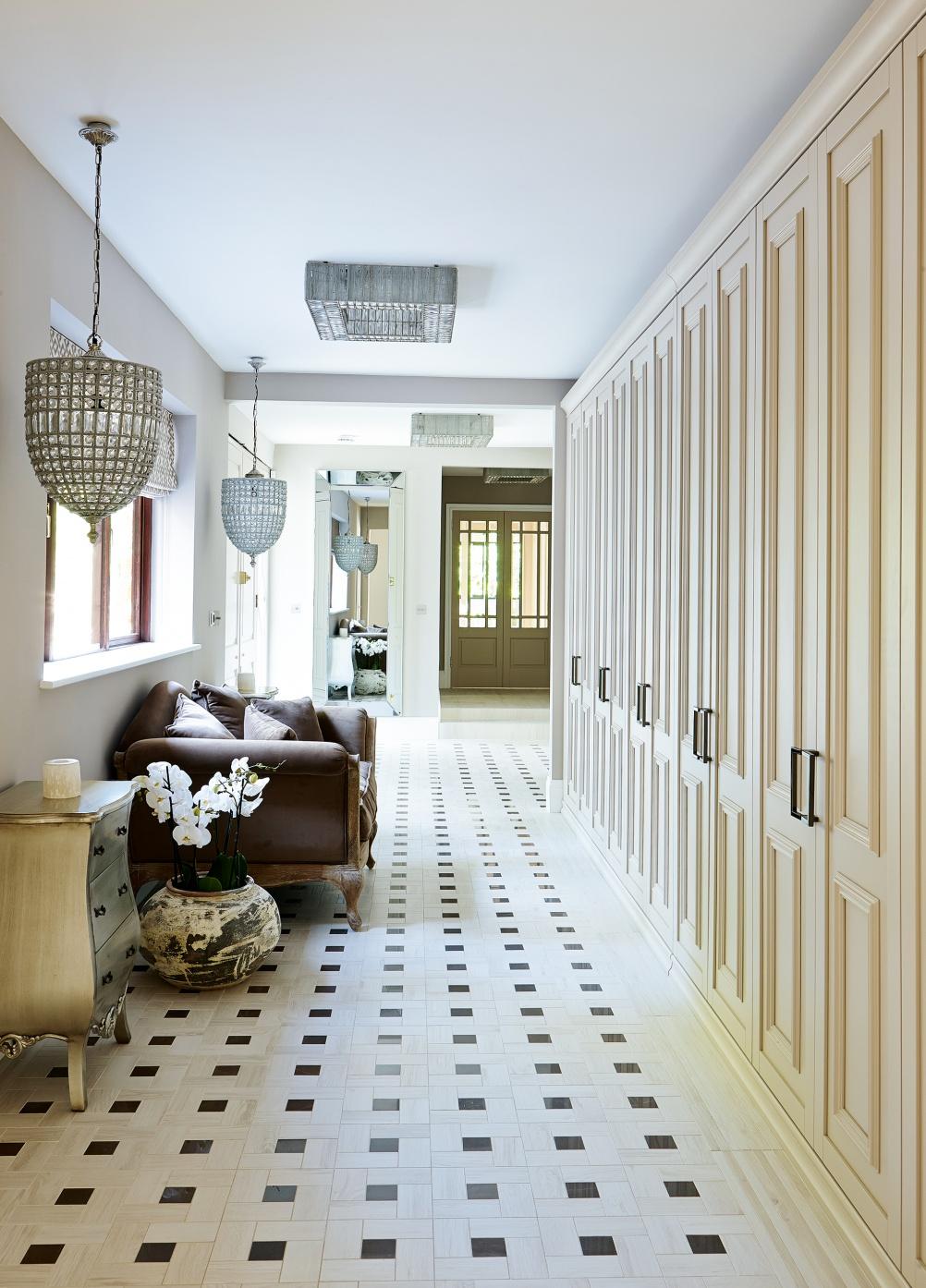 hallway-kier-townsend-1002x1394
