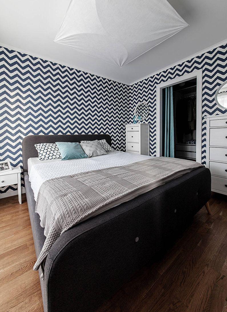 Сине-белые обои в спальне