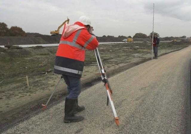 Использование инструмента в геодезии